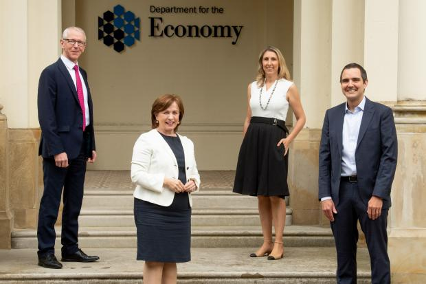 Minister announces over 120 new jobs at AquaQ Analytics